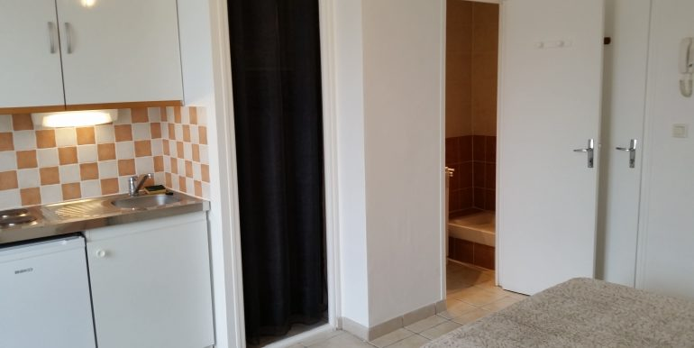 7M kitchenette-placard